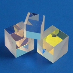 Polarizing Beamsplitter Cubes (PBS)